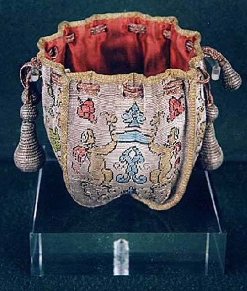 1675 Tapestry Purse
