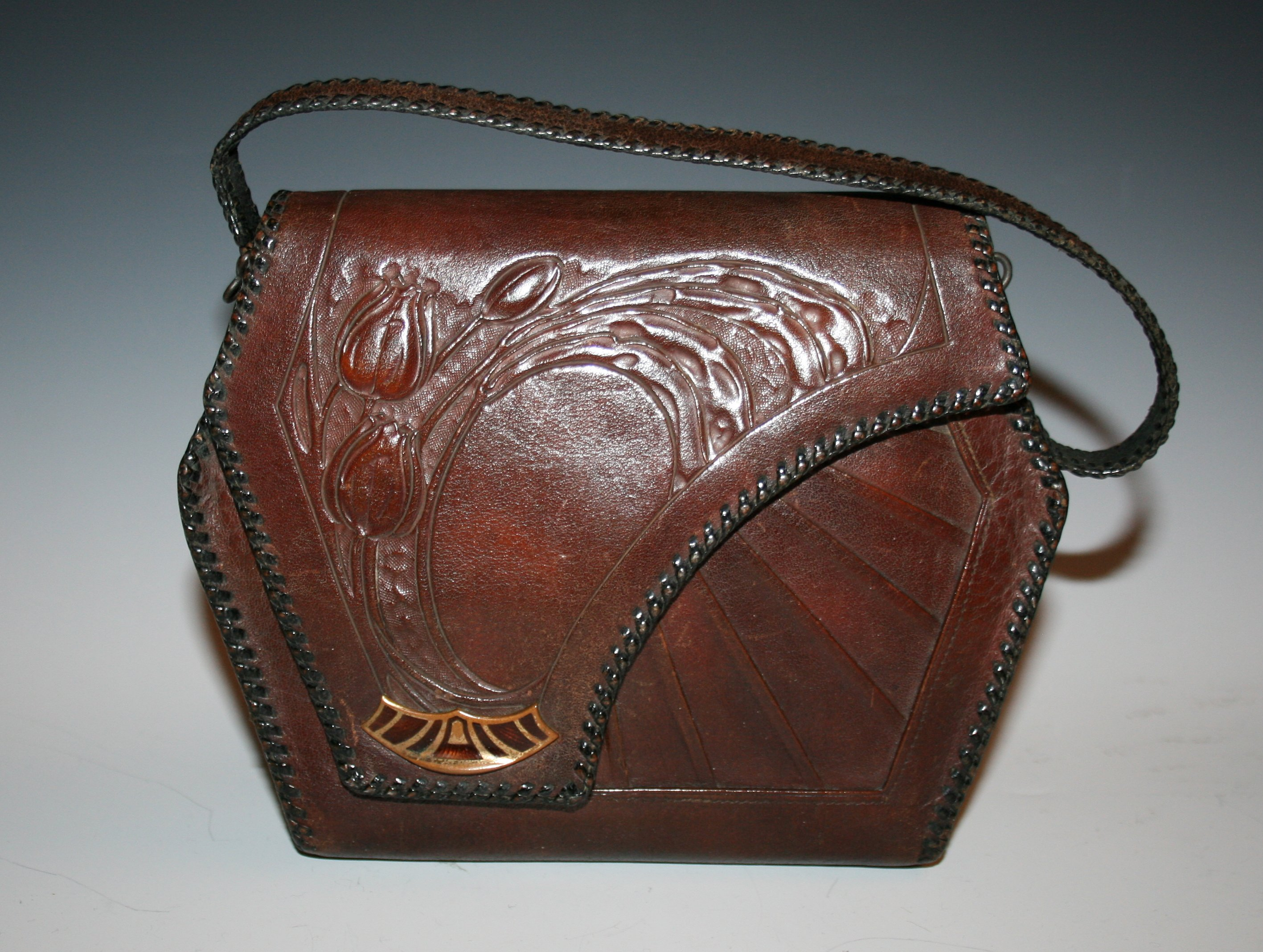Arts and Crafts leather tulip purse
