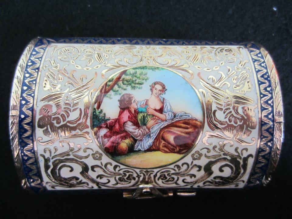 Romantic enamel vanity purse