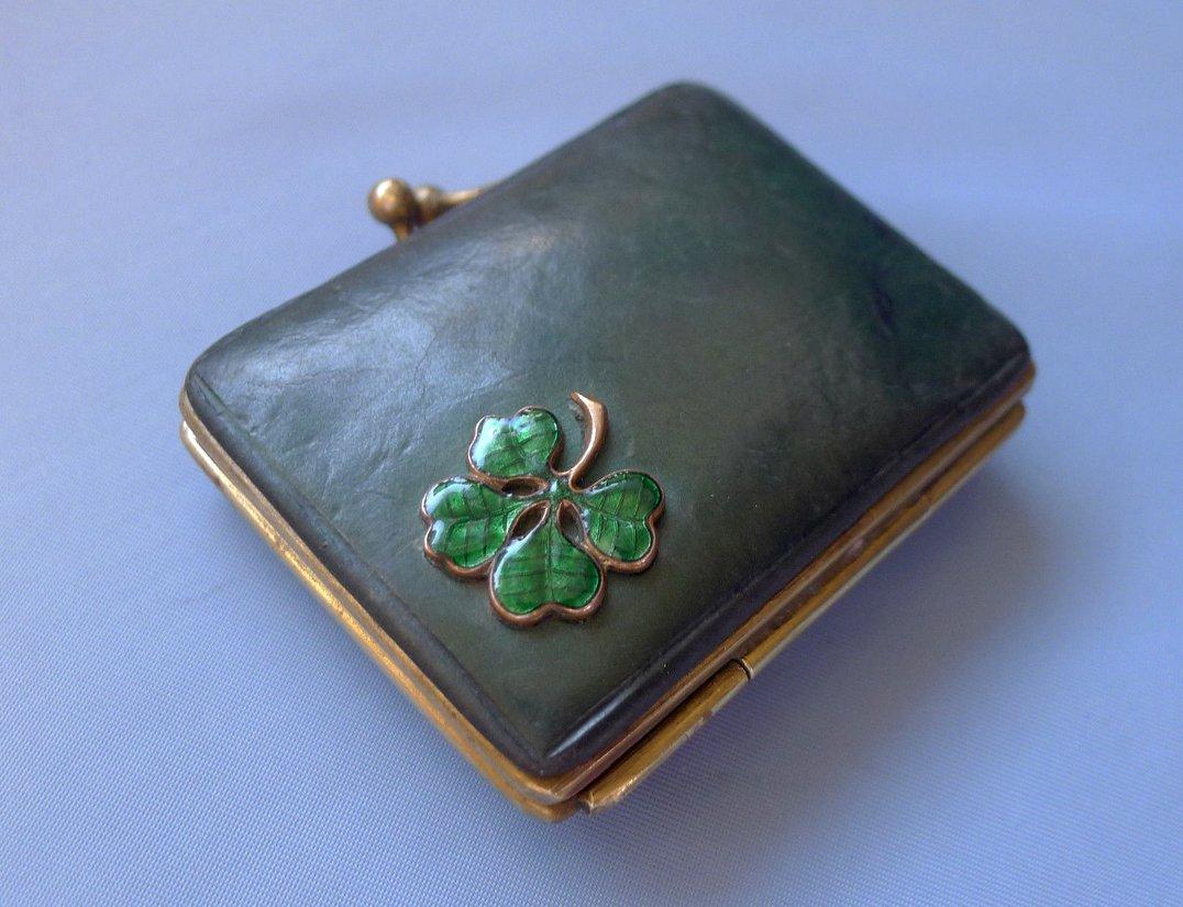 Four-leaf clover coin purse