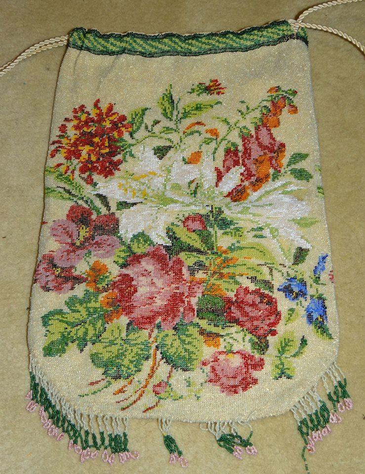 Micro beaded flower purse