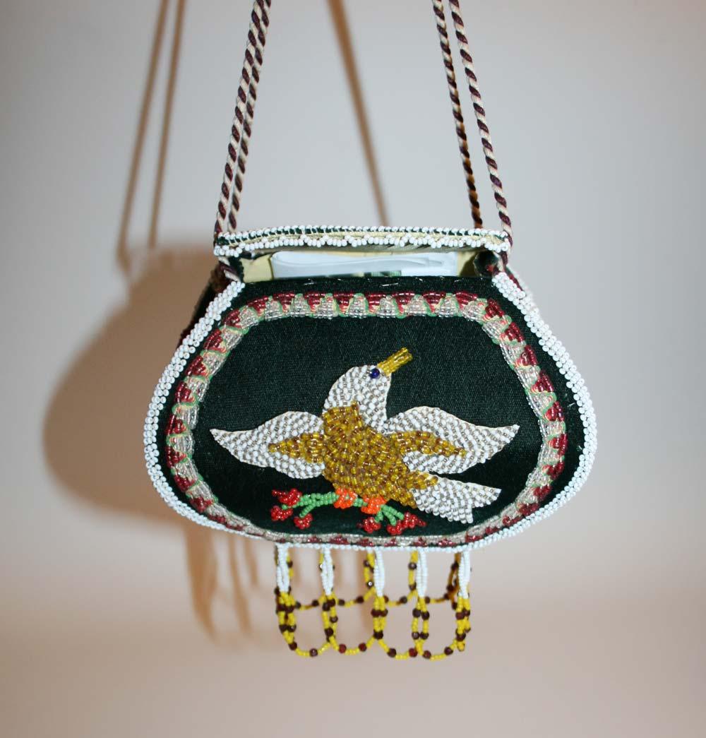 For Mom: Iroquois beaded box / purse from Niagara Falls area