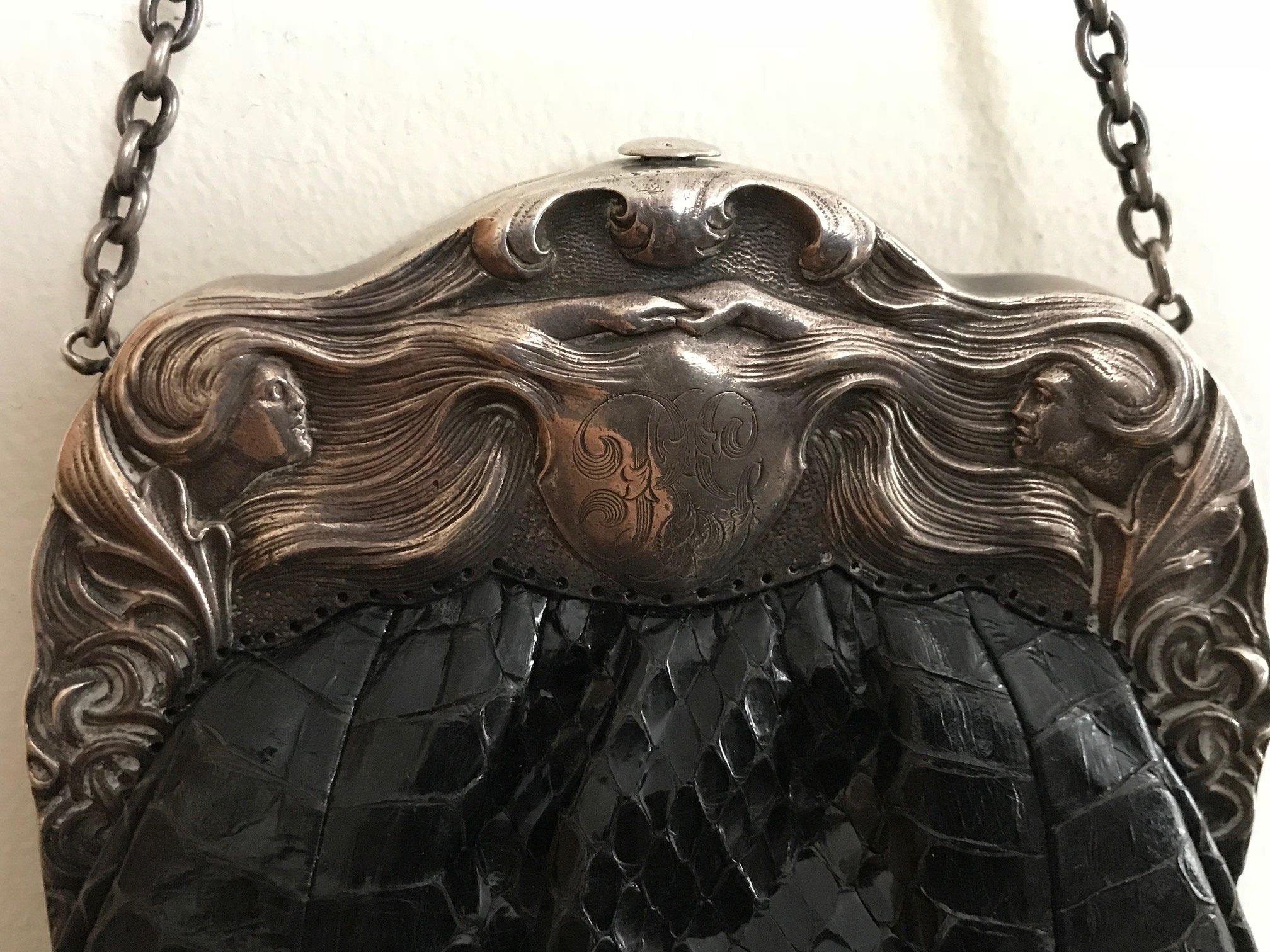 Figural Frame – Leather Bag